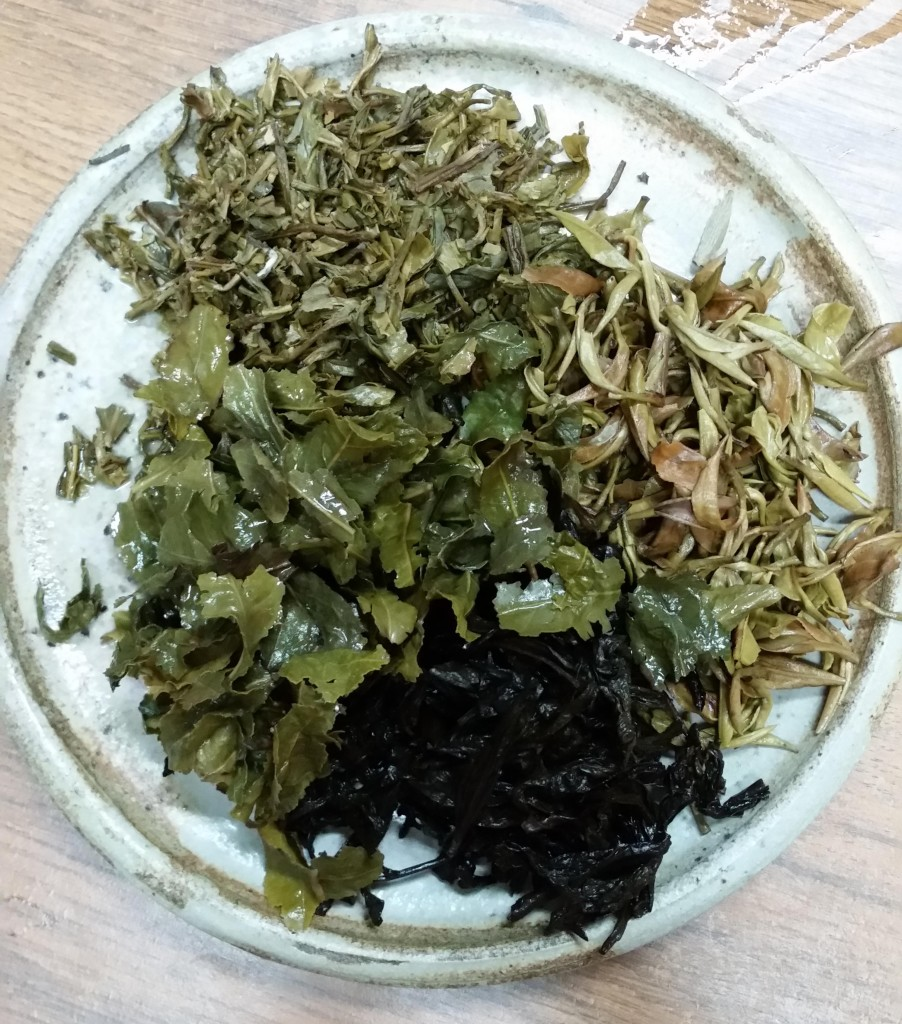 Liście herbaciane zparzenia wSzczecinie wostatni weekend. Jedna zherbat wyszła bardzo gorzko.